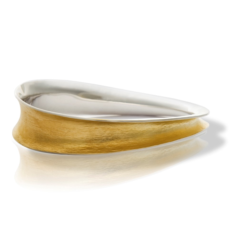 Flowing Curves narrow oval bangle | Seamus Gill