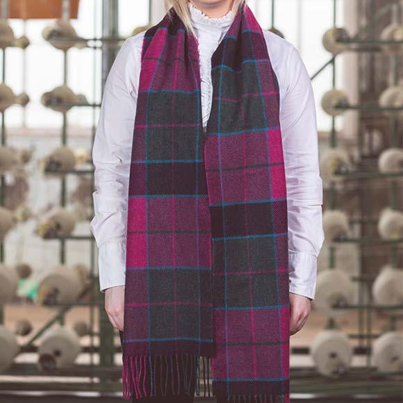 100% Lambswool Scarf, Pink Dark Check